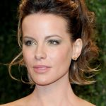 Kate Beckinsale at the Oscars- Rimmel London Look