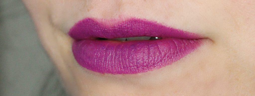 heroine lipstick swatch