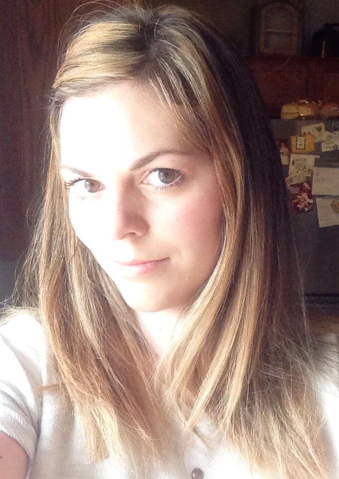 blonde hair selfie