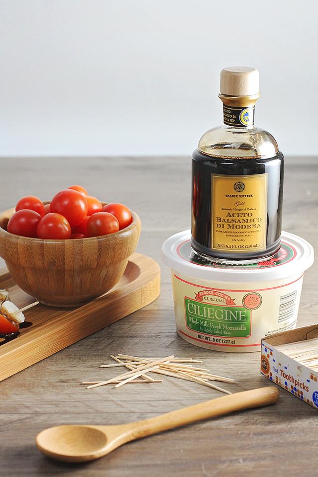 tomato mozzarella balsamic bites