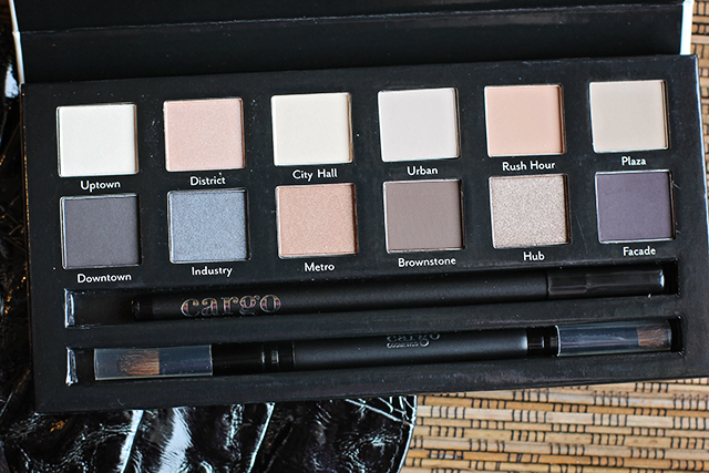 cargo essential eye palette