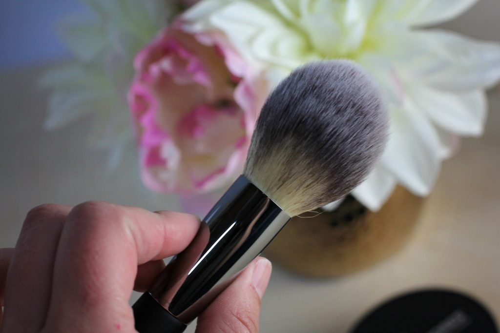 it cosmetics bye bye pores brush