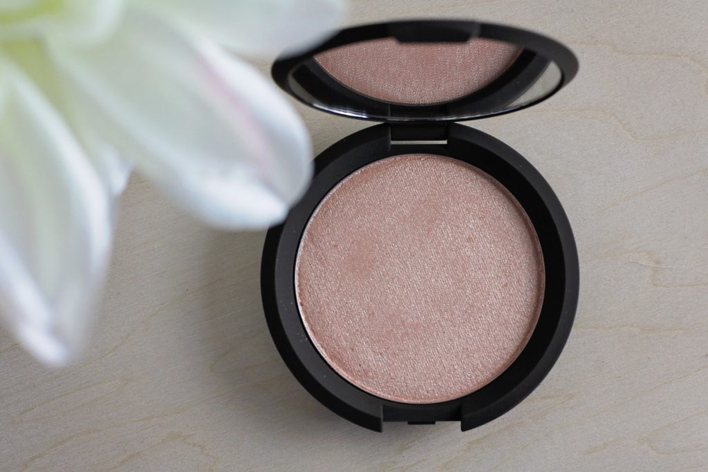 jaclyn hill becca champagne pop highlighter