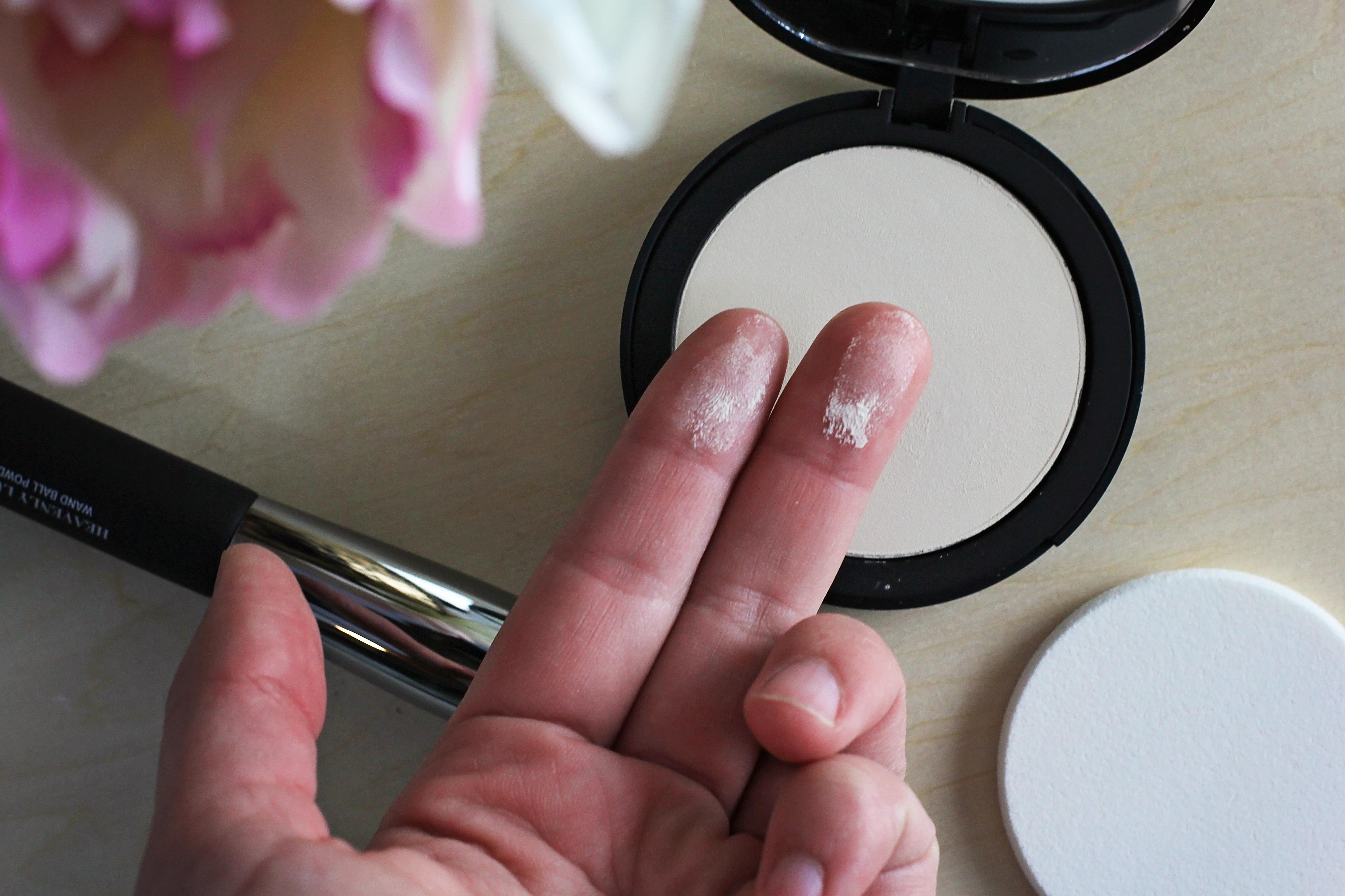 Bye Bye Pores Pressed Setting Powder by IT Cosmetics #8