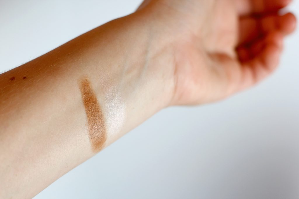 clinique highlight and contour swatches