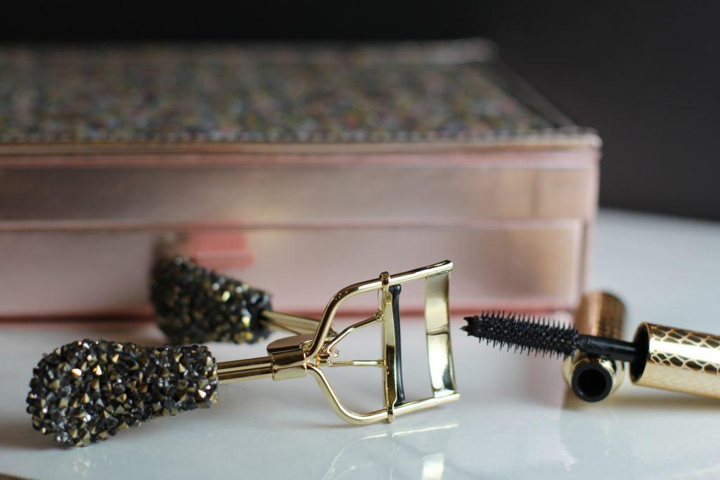 tarte holiday eyelash curler