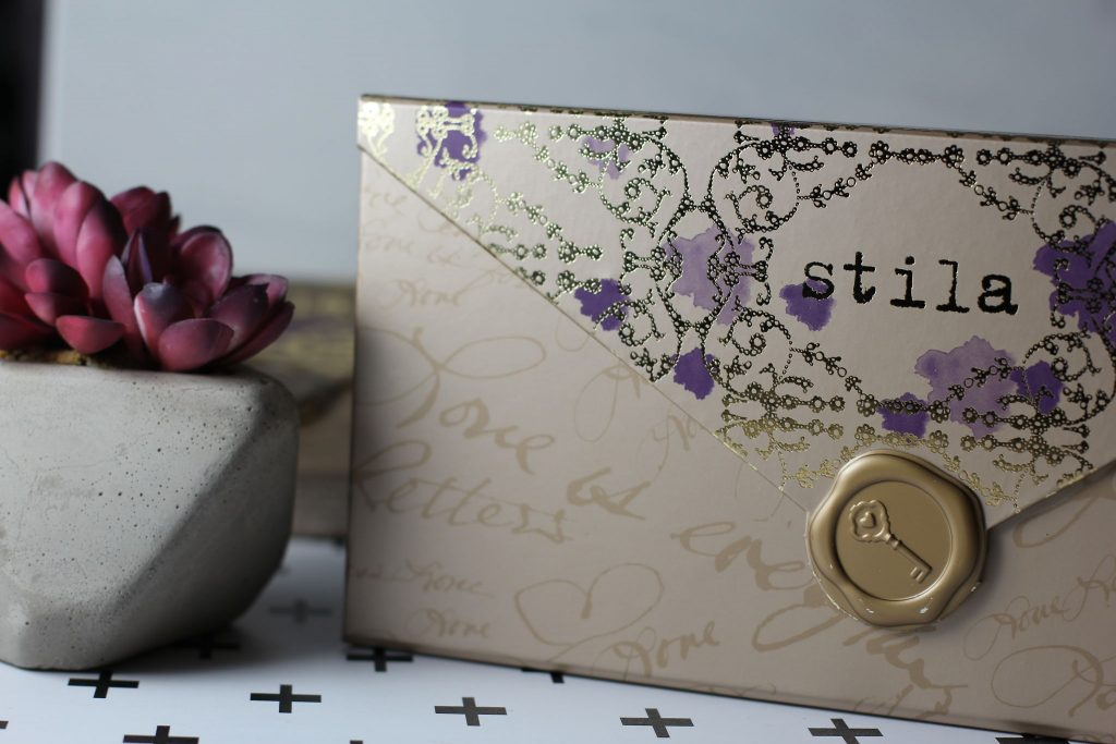 a whole lot of love giftable set stila