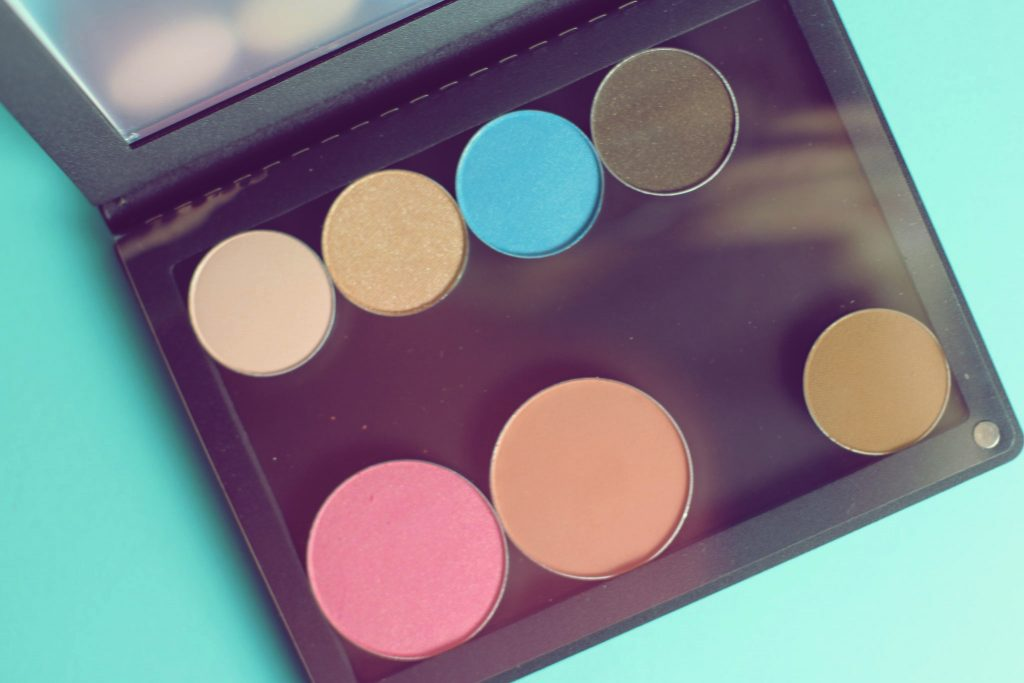 Ittse customizable palette with dust flap
