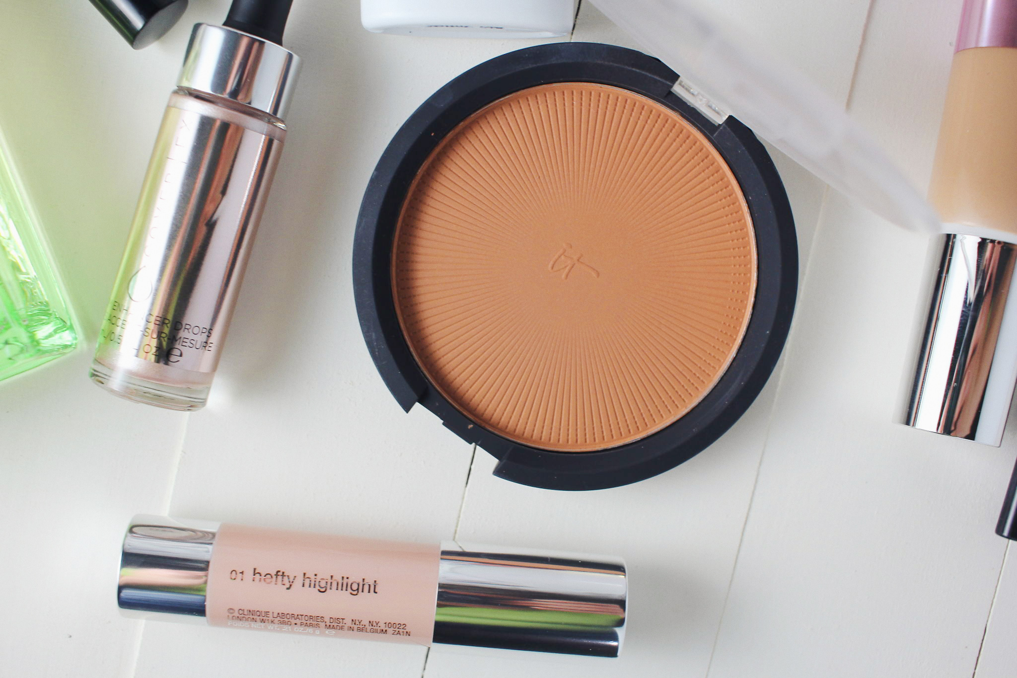 It Cosmetics Sunshine in a Compact in Warmth
