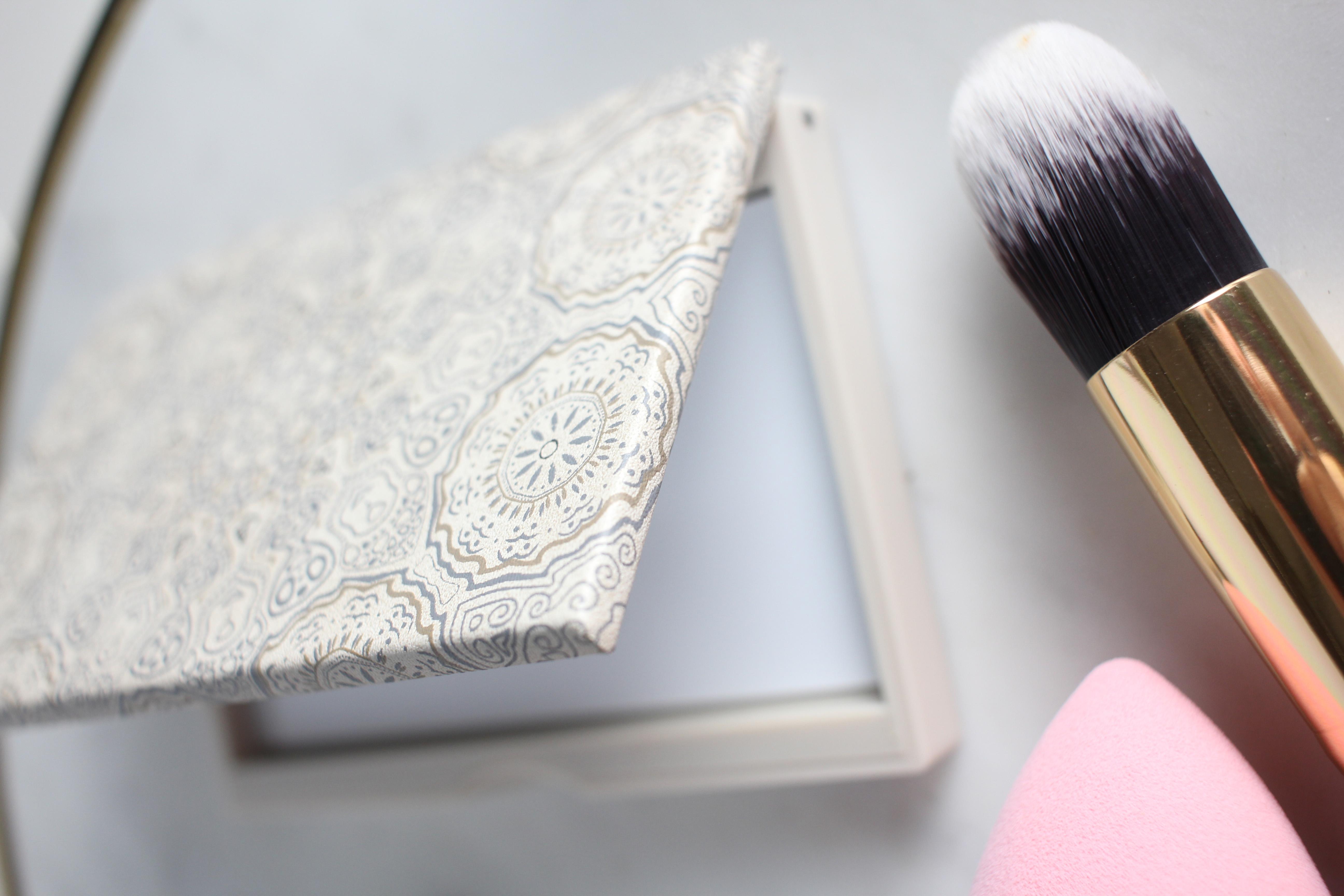 Maskcara IIID HAC Foundation palette | Maskcara Beauty Review | Maskcara Beauty Hits and Misses