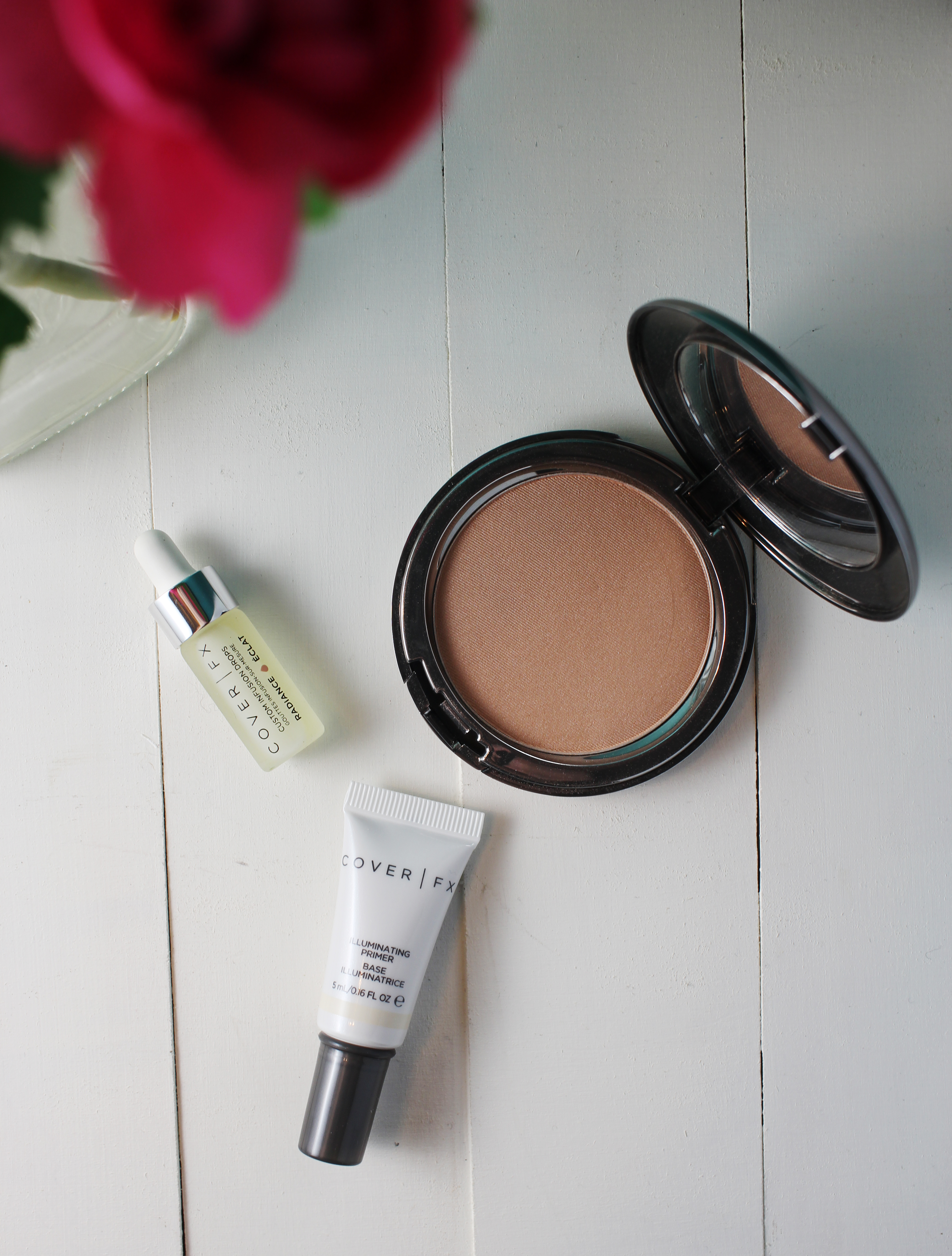 cover-fx-the-perfect-light-highlighting-powder-review-swatches