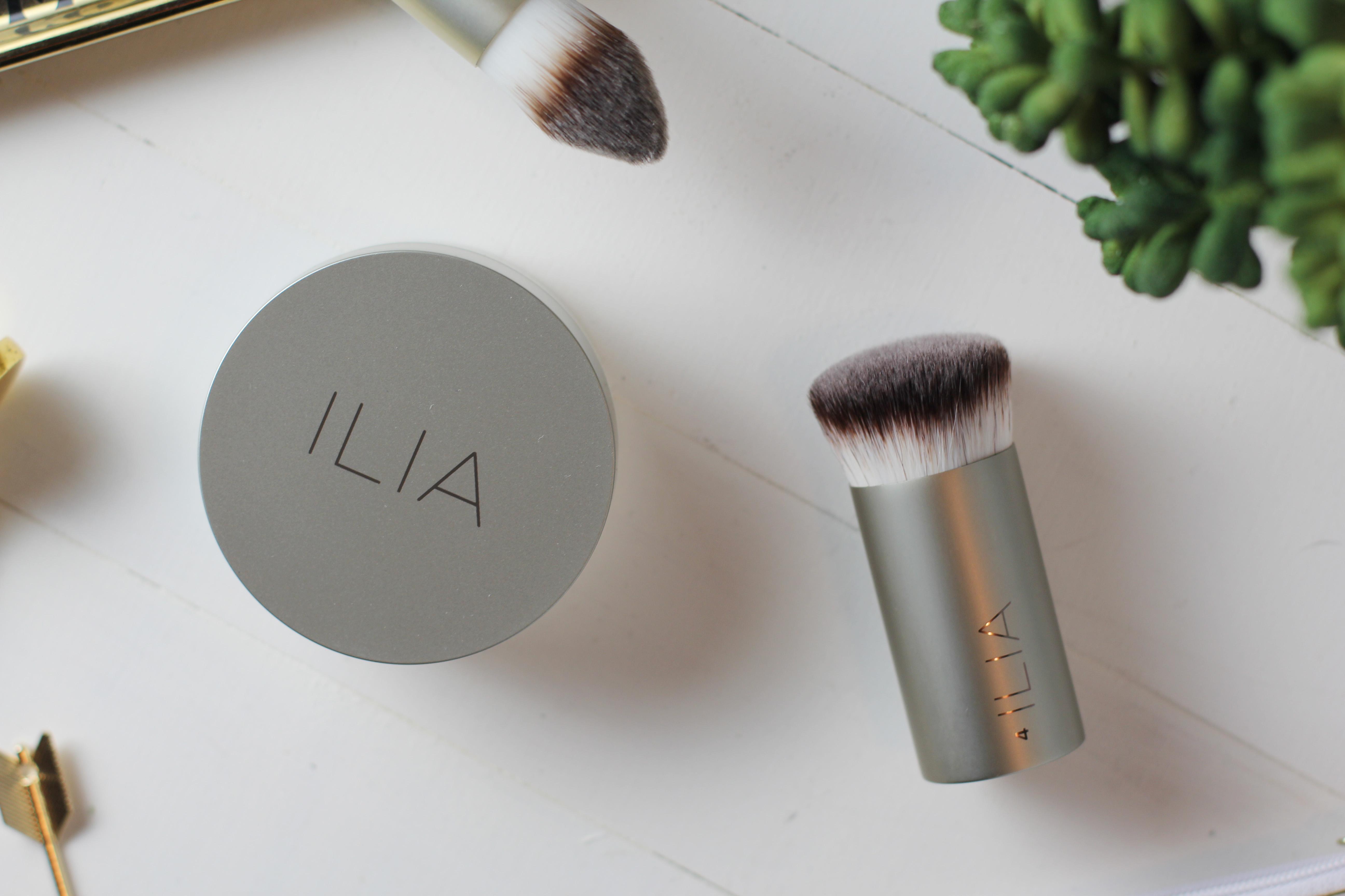 ilia-foundation-brush-perfecting-buff-brush