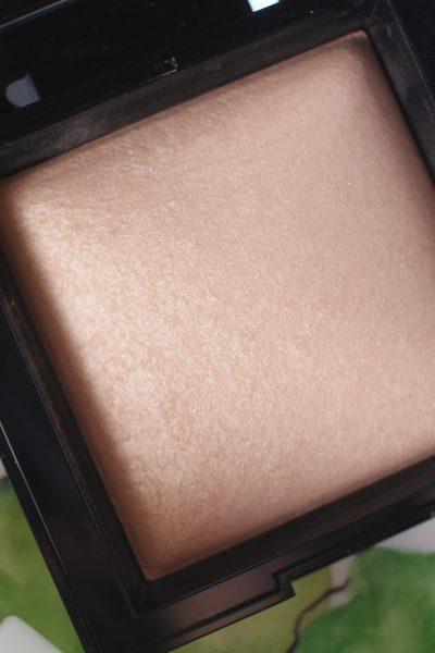 What's the best subtle, glowy bronzer for fair skin?
